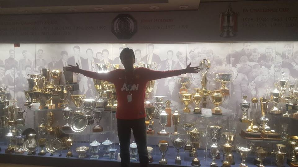 Old trafford trophies and gallery